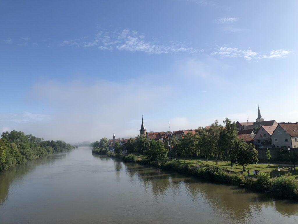 Blick auf Karlstadt (Bild: Klaus Dapp)