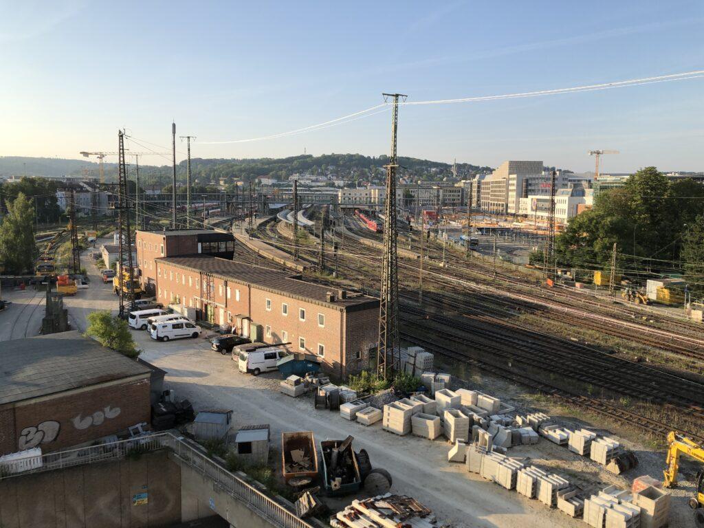 Blick auf den Ulmer Bahnhof (Bild: Klaus Dapp)