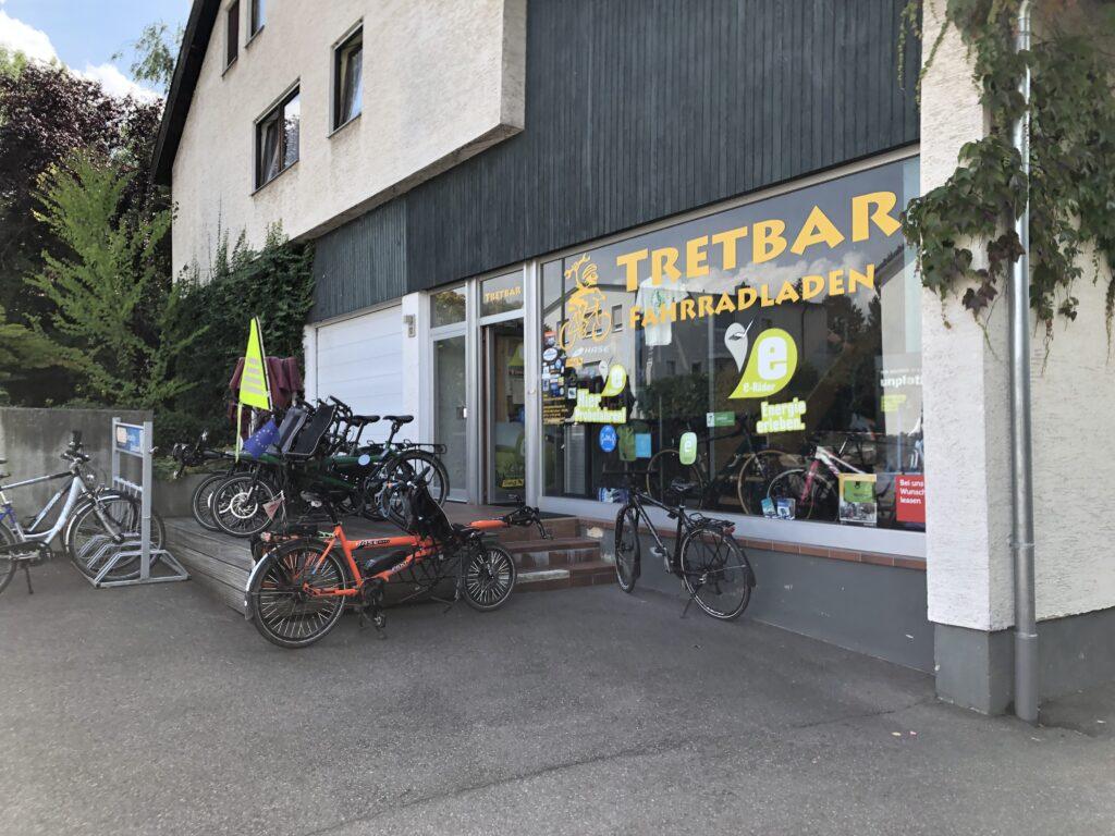 Pino vor der Tretbar (Bild: Klaus Dapp)