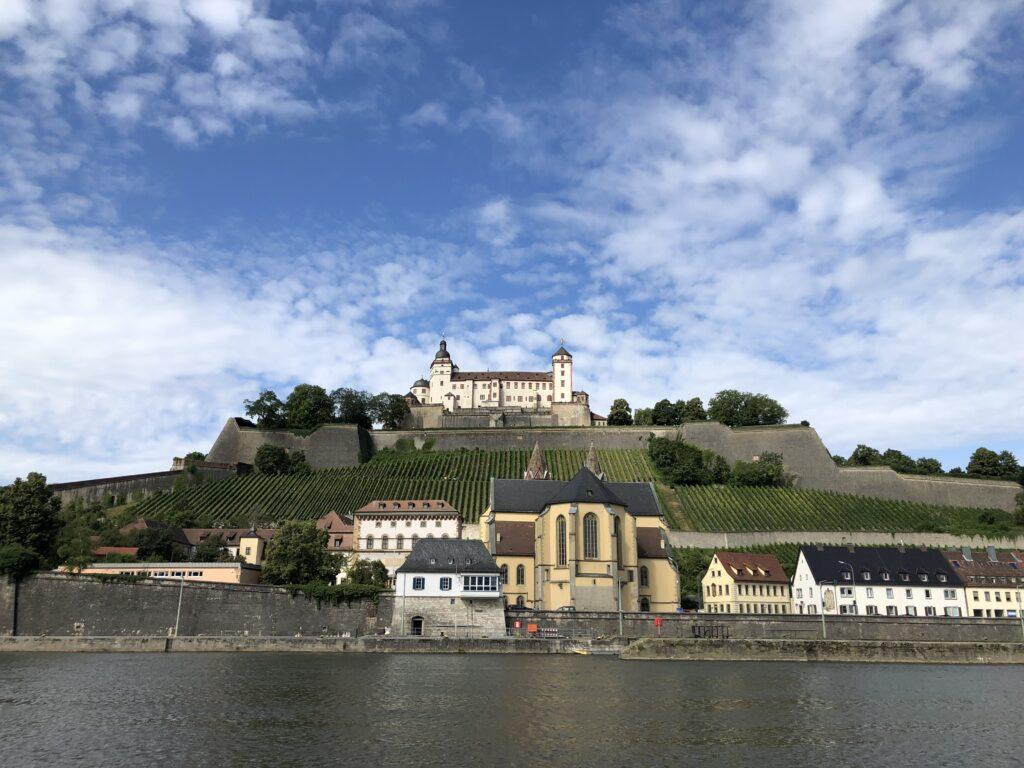 Blick auf die Festung Marienberg (Bild: Klaus Dapp)