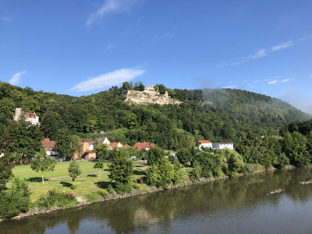 Karlsburg gegenüber von Karlstadt (Bild: Klaus Dapp)