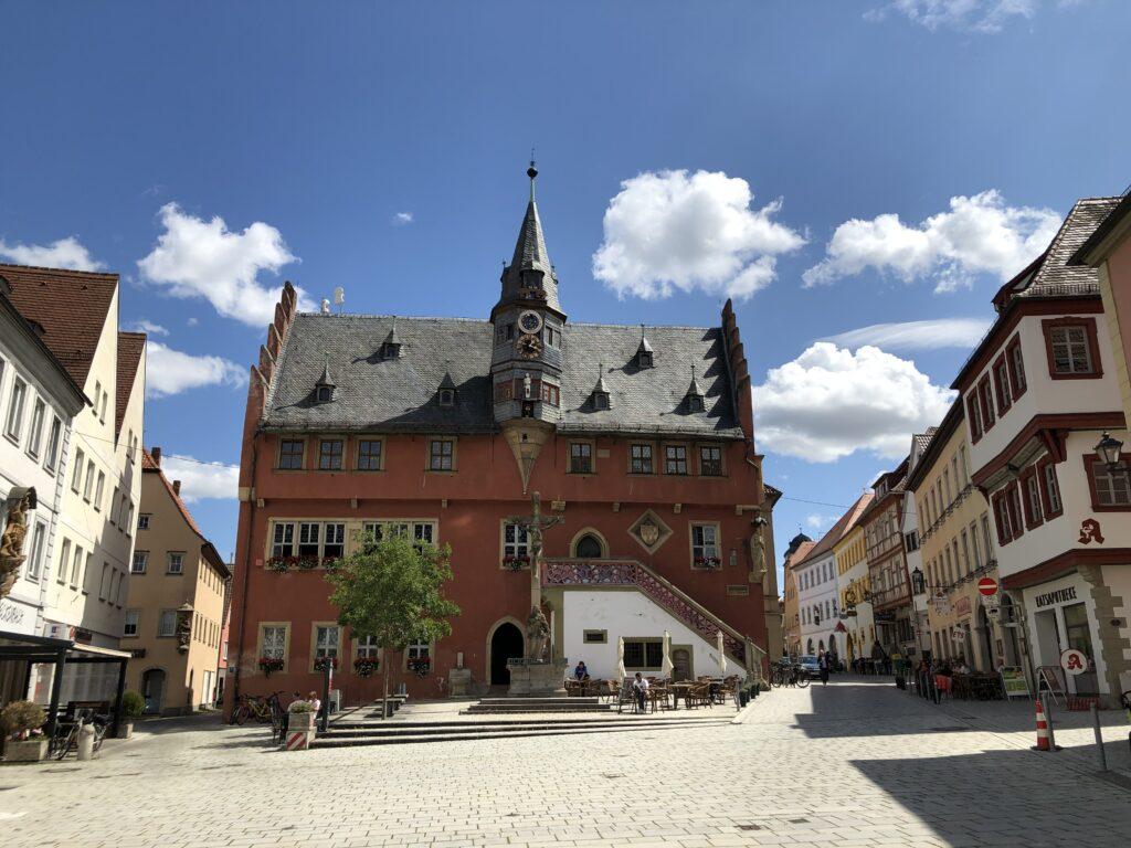 Rathaus von Ochsenfurt (Bild: Klaus Dapp)