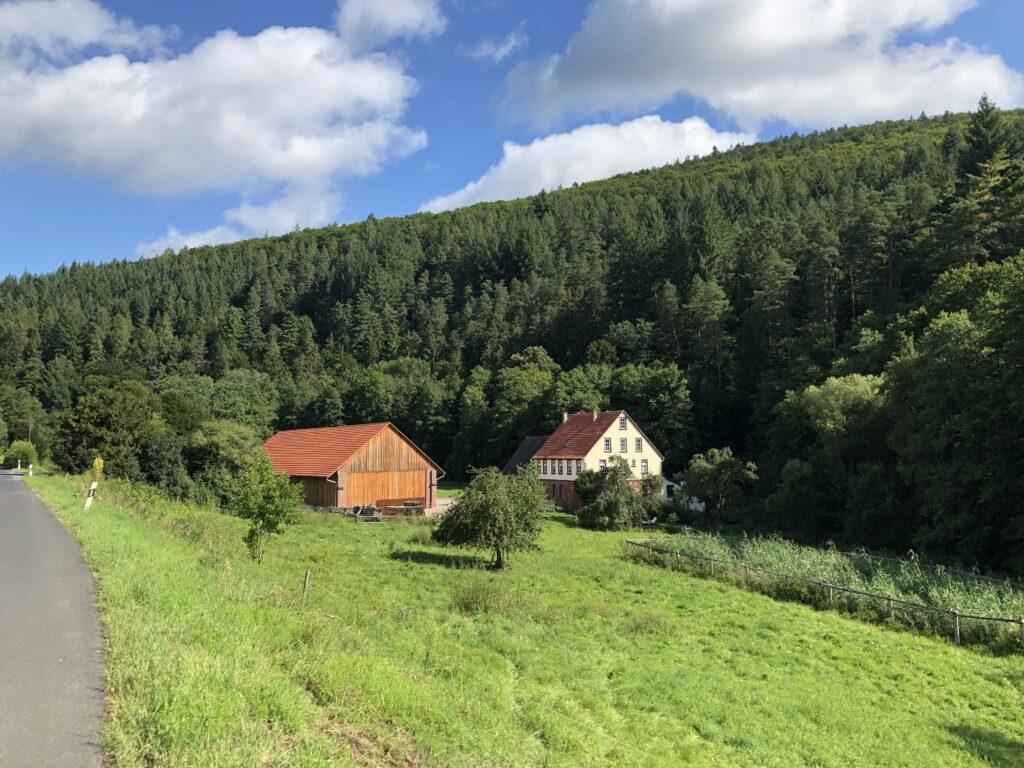 Landwirtschaft im Hafenlohrtal bei Einsiedel (Bild: Klaus Dapp)